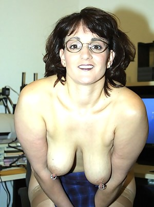 Free MILF Piercing Porn Pictures