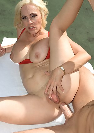 MILF Anal Porn at Hot Milf Pictures