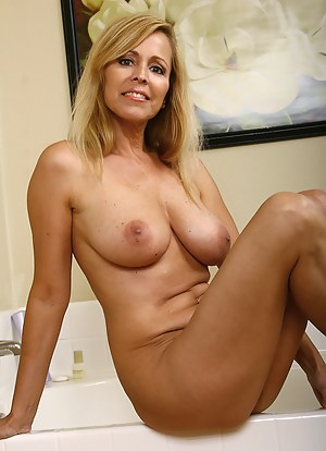 mature woman down the street a creampie