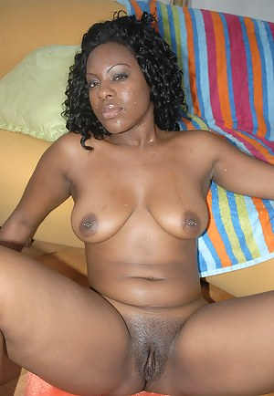 Free African MILF Porn Pictures