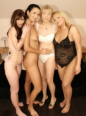 Free Lesbian MILF Humping Porn Pictures