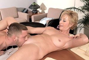 Free MILF Pussy Eating Porn Pictures