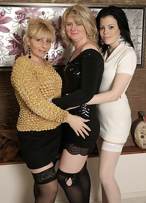 Free MILF Lesbian Orgy Porn Pictures
