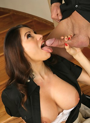 Free MILF Tongue Porn Pictures