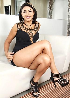 Free Brazilian MILF Porn Pictures