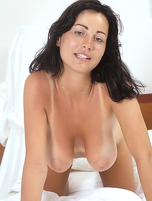 Free MILF Knees Porn Pictures