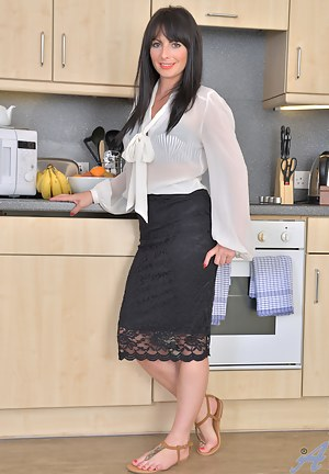 Free milfs in the kitchen images apologise, but
