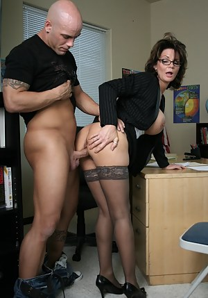 Free MILF Ass Fucking Porn Pictures